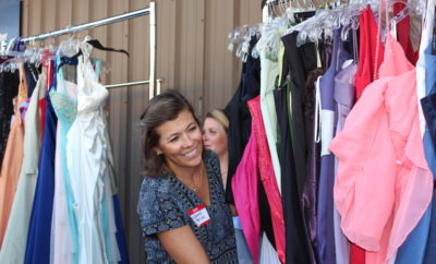 "THE WOODLANDS, TX - Junior League of The Woodlands (JLTW) is once again teaming up with The Giving Gown Foundation to provide a ""Boutique Day"" for underserved high school girls in Montgomery and Harris Counties."
